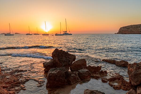 stunning-sunset-views-from-beach-ibiza